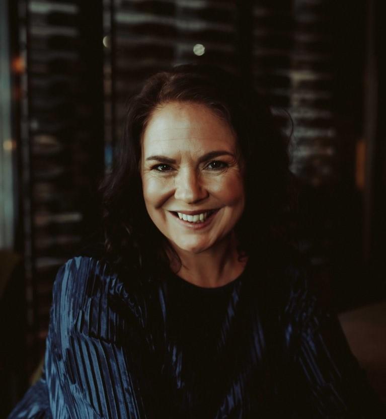 Livro de estreia de autora australiana foi arrematado em leilão pela Faro